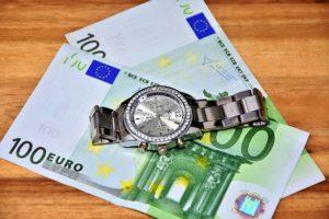 Wieso sind die Zinsen in Rumänien höher im Vergleich?